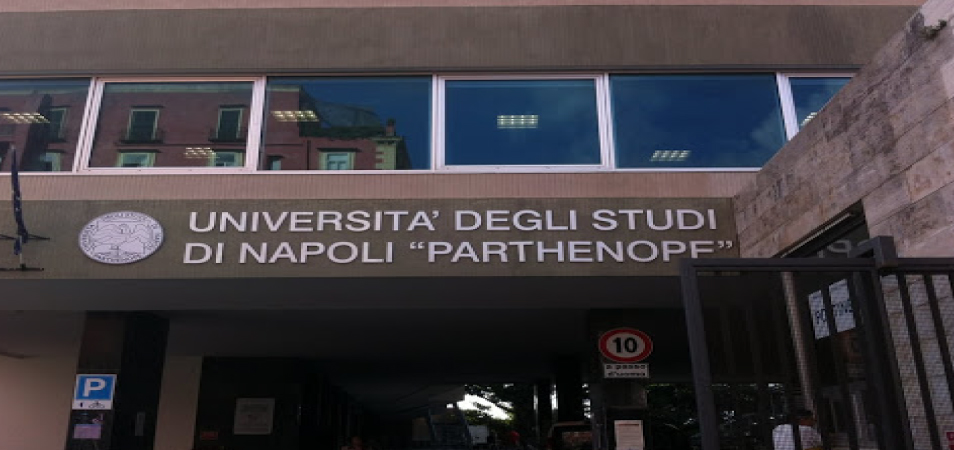 Napoli Parthenope Universitesi