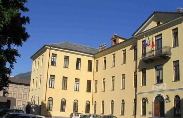 Aosta Vadisi Universitesi